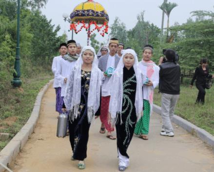 Khám phá nét độc đáo trong văn hóa người Chăm tại Búng Bình Thiên