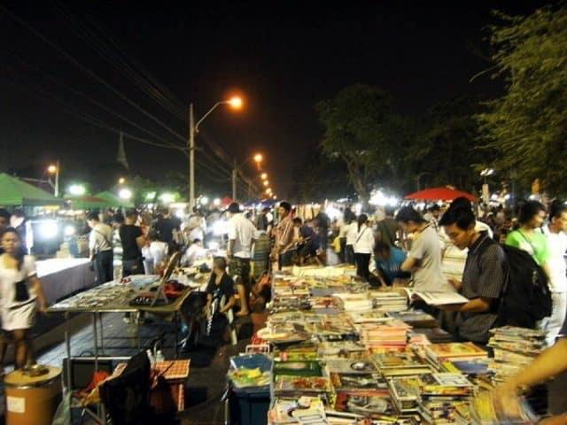 Khu Khlong Lod(Khlong Lod Night Market) (Ảnh ST)