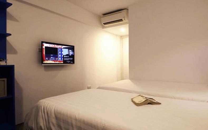 Không gian phòng nghỉ tại khách sạn Emis