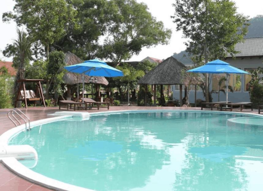 Bể bơi ngoài trời tại Montana Phu Quoc Resort