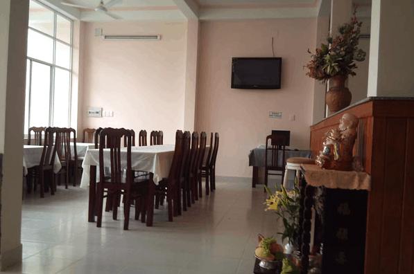 Khu nhà ăn tại khách sạn Hương Toàn