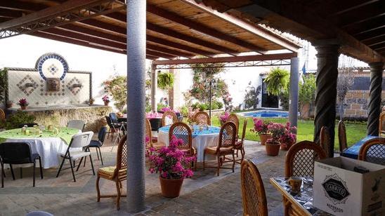 Khu nhà hàng tại La Veranda có không gian lãng mạng