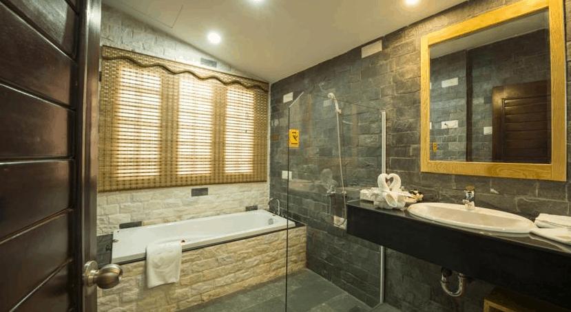 Famiana Green Villa trang bị phòng tắm hiện đại, cao cấp