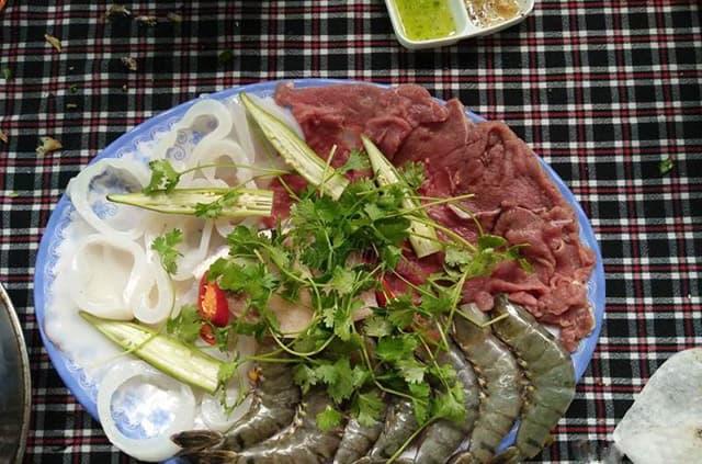 Món lẩu hải sản cũng là món rất được yêu thích ở nhà hàng hải sản Quy Nhơn này (Ảnh ST)