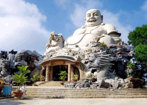 Chùa Phật Lớn trên núi Cấm