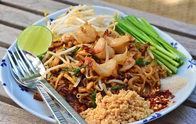 Nhớ phải ăn thử món Pad Thai hấp dẫn này nhé! (ẢNH ST)