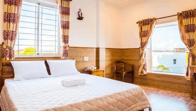 Phòng nghỉ đơn sạch sẽ tại khách sạn Hữu Lê