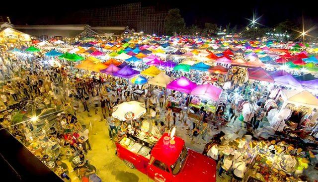 Chợ Rod Fai 1 – đường Srinakarin (Ảnh ST)