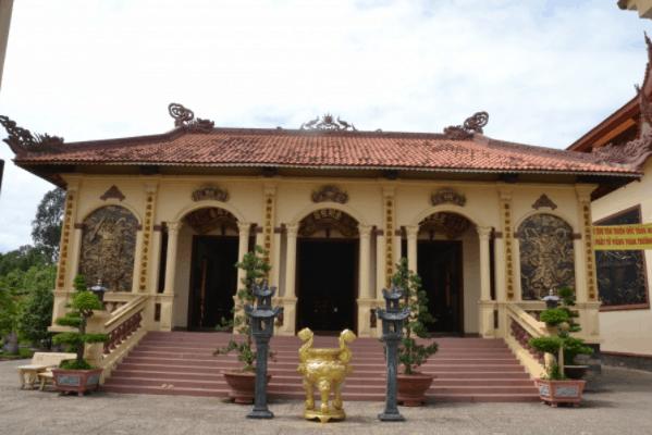 Tham quan chùa Kim Cang