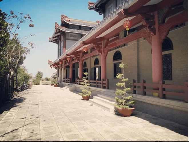 Vãn cảnh chùa Linh Sơn Bửu Thiền Tự