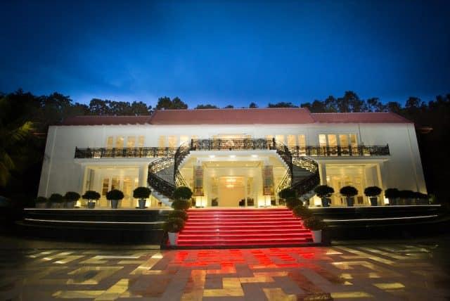 Royal hotel and healthcare resort Quy Nhơn (Ảnh ST)