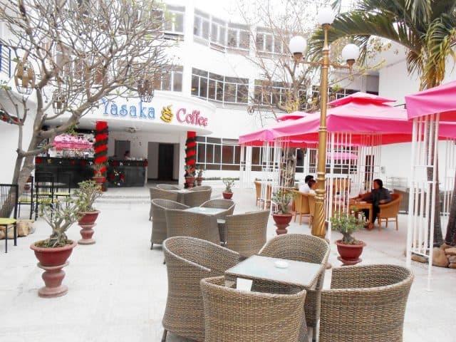 Quán cà phê trong Yasaka Hương Sen-Khách sạn Phú Yên (Ảnh ST)