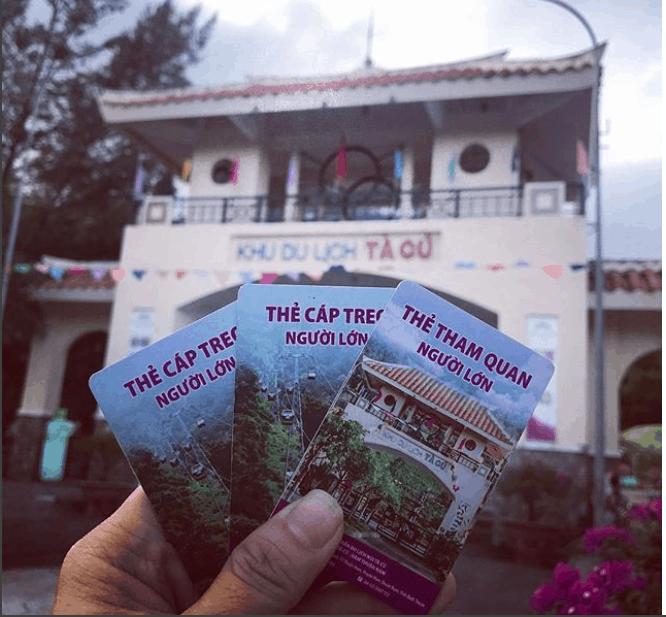 Cáp treo lên chùa Núi Tà Cú