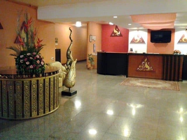 Khách sạn nằm bên sôngChao Phraya (Ảnh ST)