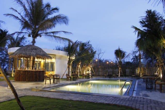 Khung cảnh lãng mạn khi chiều tà tại Sala Tuy Hòa Hotel (Ảnh ST)