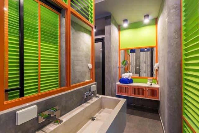Nhà vệ sinh chung trong hostel (Ảnh ST)