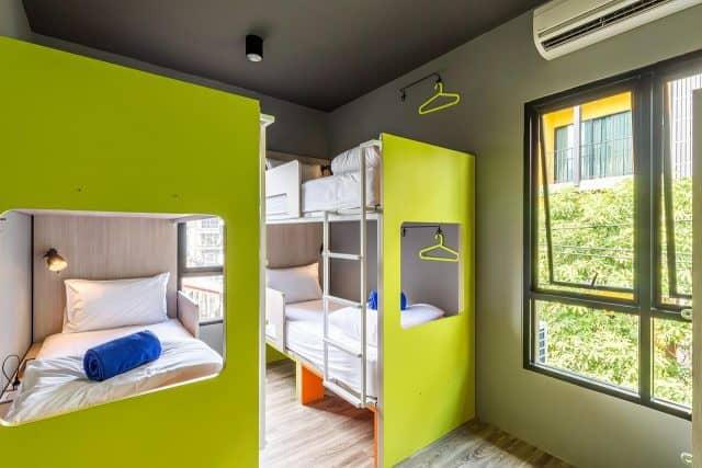 Phòng nghỉ với những gam màu nổi bật (Ảnh ST)