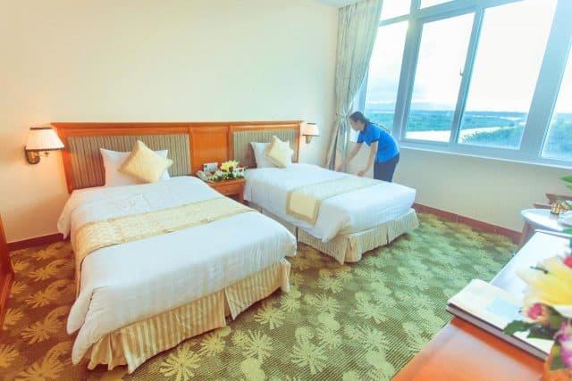 Nhân viên khách sạn rất chuyên nghiệp, nhiệt tình (Ảnh ST)