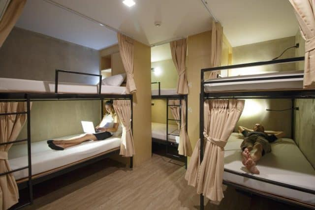 Phòng ngủ tập thể trong hostel (Ảnh ST)