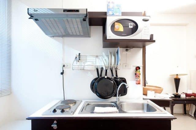 Trong phòng nghỉ có tích hợp thêm một khu bếp nhỏ (Ảnh ST)