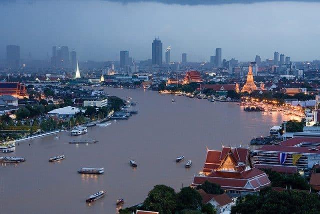 Rất nhiều thành phố nằm dọc hai bên bờ sông (Ảnh ST)