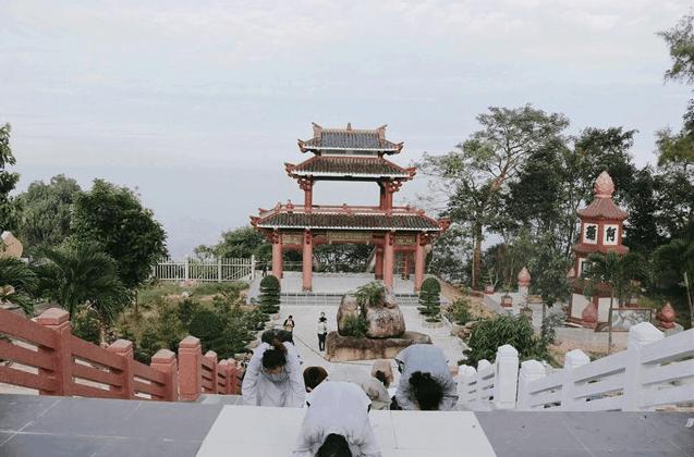 Linh Sơn Bửu Thiền Tự 1
