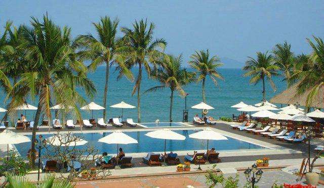 """""""Victoria Hoi An Beach Resort & Spa"""" tự hào có hồ bơi ngoài trời và cung cấp các phòng nghỉ đầy đủ tiện nghi với truy cập Wi-Fi miễn phí (Ảnh ST)"""