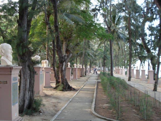 Vườn tượng danh y Quy Hòa (Ảnh ST)