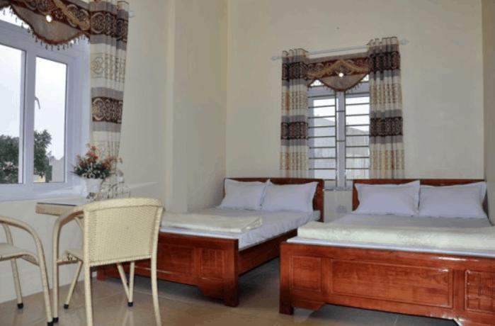 Phòng ngủ nhà nghỉ Hoàng Tuấn