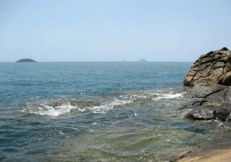 Biển bãi Dương nước trong sóng lặng