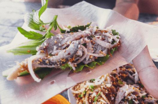 Cách ăn gỏi cá trích