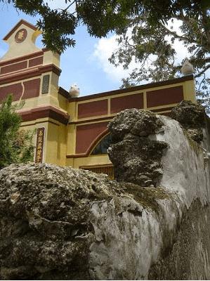 Bức vách hơn 300 năm của chùa