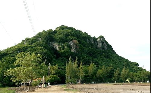 Núi Bình San là một bức tranh phong cảnh tuyệt đẹp