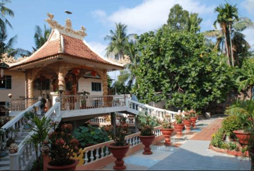Một góc chùa Tam bảo