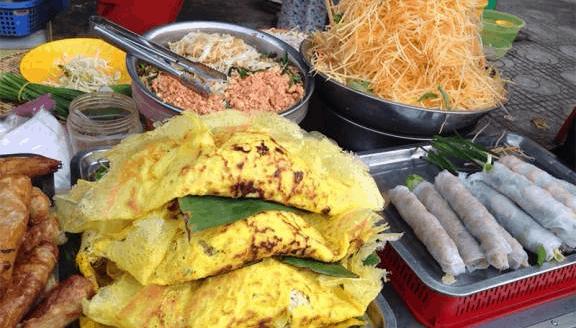 Khu chợ Hà Tiên có rất nhiều quán ăn vặt