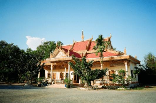 Khung cảnh tĩnh lặng, thiêng liêng của chùa Xà Xía