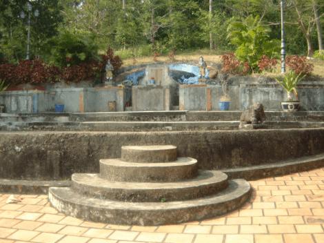 Khu lăng mộ nhà họ Mạc