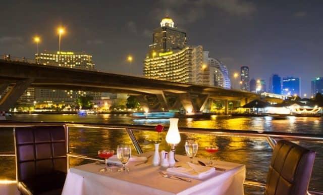 Bữa tối lãng mạn trên sông Chao Phraya (Ảnh ST)