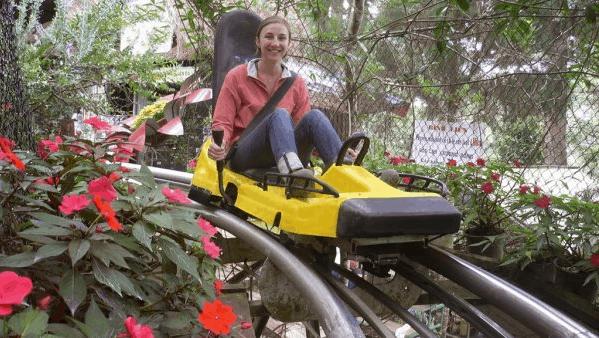 Hệ thống xe trượt ống trong khu du lịch Mũi Nai