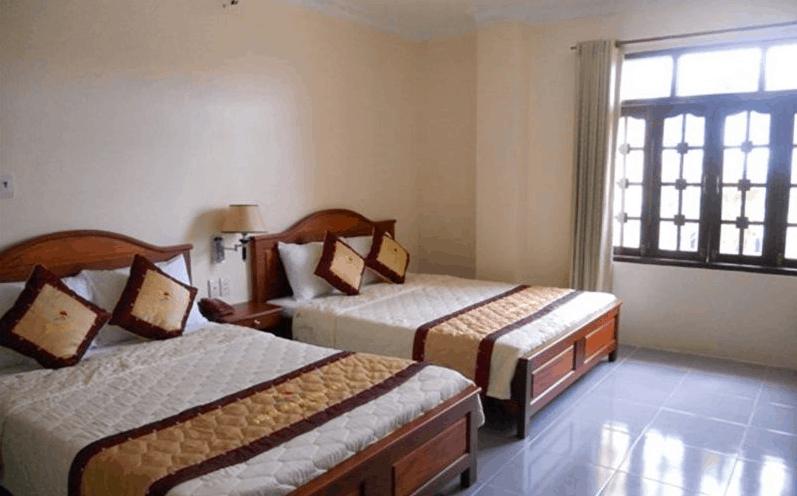 Phòng ngủ khách sạn sạch sẽ, thoáng đãng