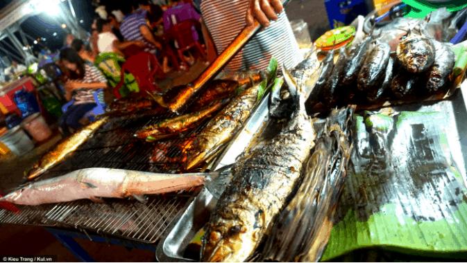 Món cá nướng không thể bỏ qua ở chợ đêm Hà Tiên