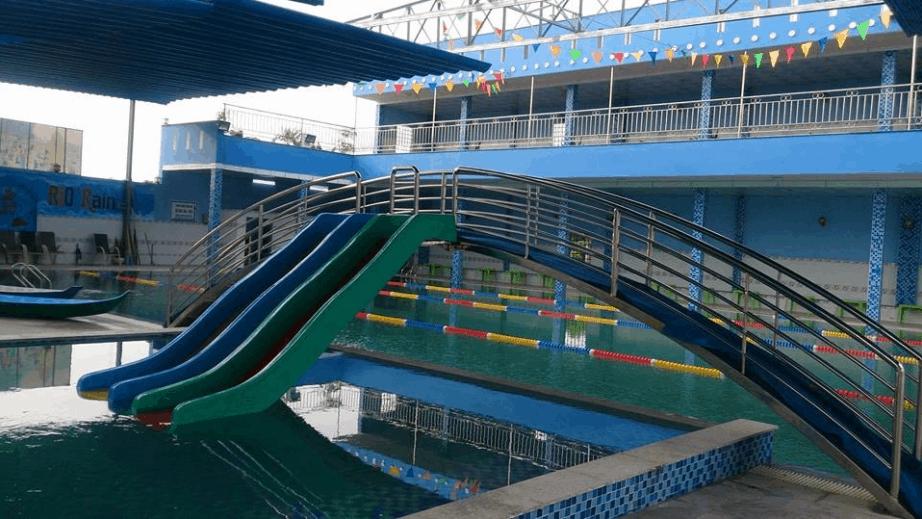 Bể bơi ở công viên nước Rio