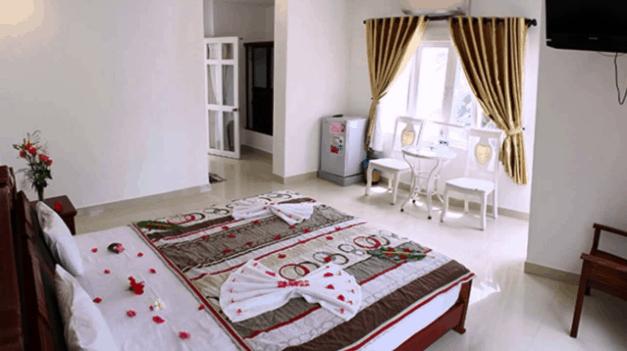 Phòng ngủ đơn giản nhưng ấm cúng