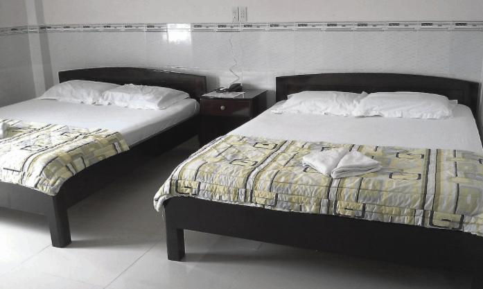 Phòng ngủ đơn giản nhưng đầy đủ trang thiết vị cần thiết