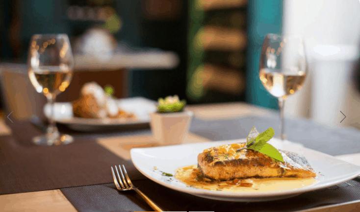 Nhà hàng Rio phục vụ món ăn các nước