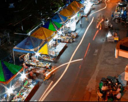 Chợ đêm chụp từ trên cao