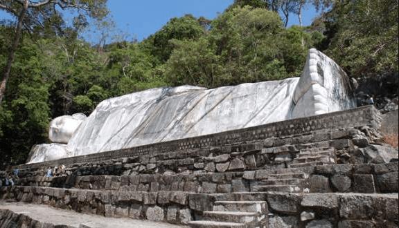 Công trình đồ sộ và độc đáo nhất núi Tà Cú