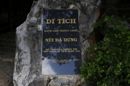 Danh lam thắng cảnh Núi Đá Dựng ở Hà Tiên