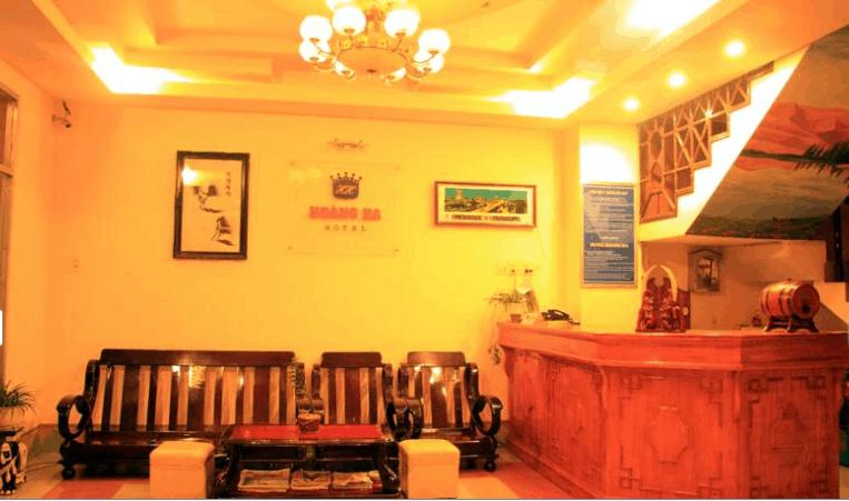Quầy lễ tân khách sạn Hoàng Hà