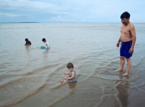 Biển Bình Đại - Địa điểm tránh nóng lý tưởng trong mùa hè
